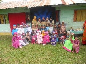Suasana gembira saat usai lomba busana muslimah