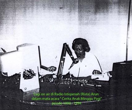 Menjadi Penyiar Radio dalam mata acara Cerita Anak Minggu Pagi di Radio Istiqamah ( Rista) Arun 1990 -1994 Lhokseumawe